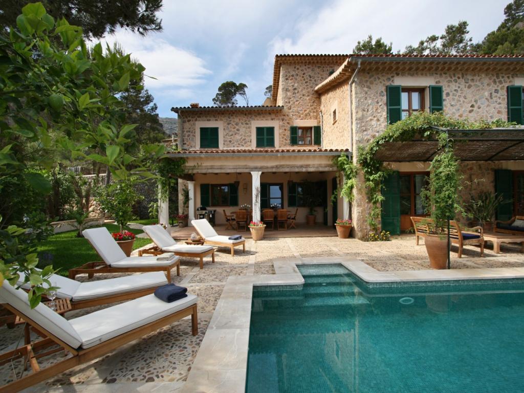 Deia Beach House, a stunning luxury villa in Mallorca, Spain